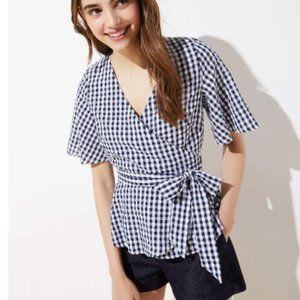 NWT LOFT GINGHAM WRAP TOP IN FOREVER NAVY